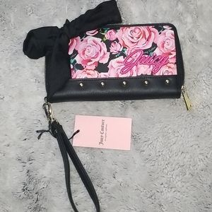 🆕️Juicy Couture floral wristlet wallet